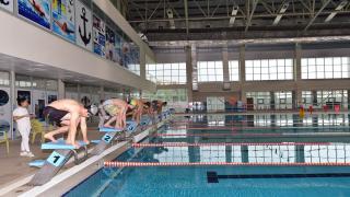 Yüzmede derece elde eden öğrenciler ödüllendirildi