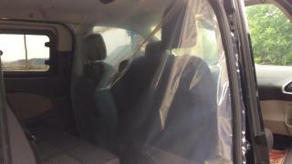 Virüse karşı otomobilinde muşambalı önlem