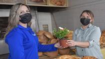 Aliağa Belediyesi'nin Çiçek Dağıtımları