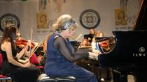 Genç Piyanistler İdil Biret İle Sahneye Çıkıyor